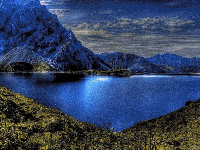 La imagen tiene un atributo ALT vacío; su nombre de archivo es blue-mountains-2.jpg