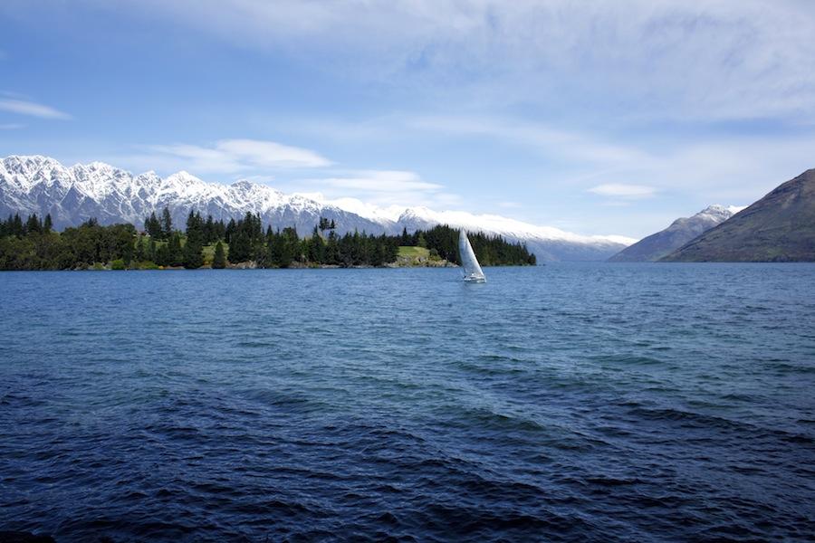 La imagen tiene un atributo ALT vacío; su nombre de archivo es lago-wakatipu.jpg