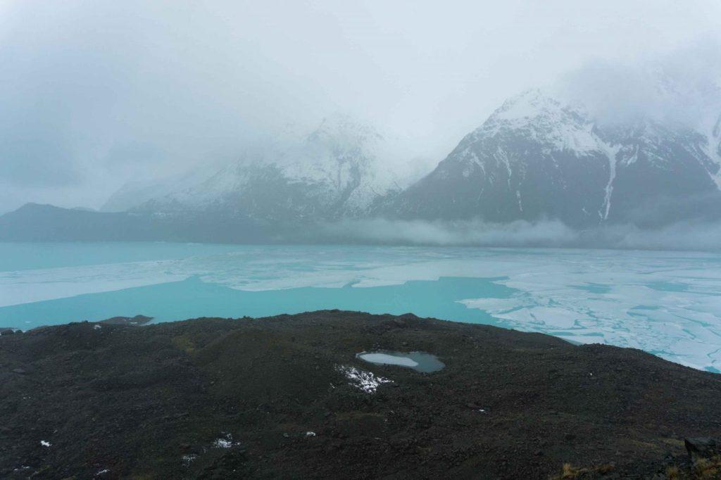 La imagen tiene un atributo ALT vacío; su nombre de archivo es tasman-lake-nueva-zelanda-.jpg